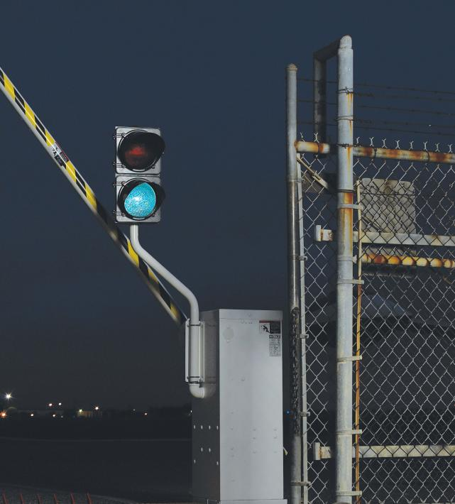 1610 Warning Signs & Traffic Signal