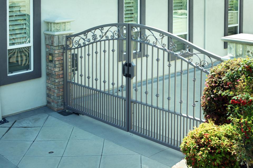 6400 In Ground Swing Gate Operator Doorking Access